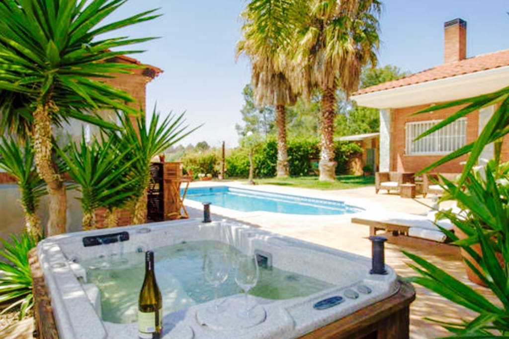 Suite chalet yacuzy piscina privada chalets en alquiler for Suite con piscina privada