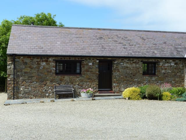 Shippon Cottage, Fenton Farm Cottages