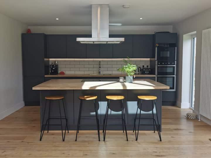Iona, 4 bed luxury in the heart of Bracklesham Bay