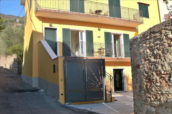 Apartment Fontane Roina - 4 sleeps apartment in Toscolano Maderno