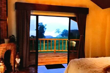 SV Hideaway: Chalet Deluxe [Cloud Forest] - San Carlos