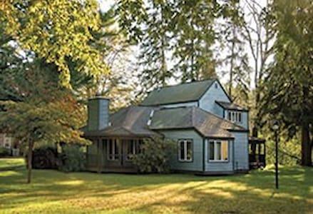 2 BR Villa in Shawnee Village, Poconos - イーストストラウズバーグ - タイムシェア
