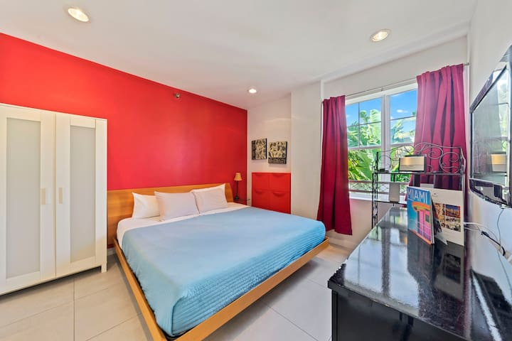 ⭐️ BEST LAST MINUTE  RATE: BRIGHT SUNNY CONDO+POOL