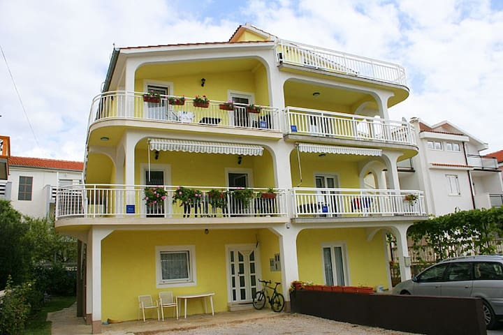 Apartment Ana - Vodice - Lägenhet