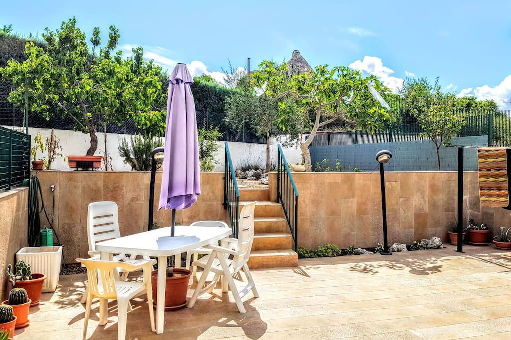 Accogliente casa con giardino townhouses in affitto a - Casa con giardino milano ...