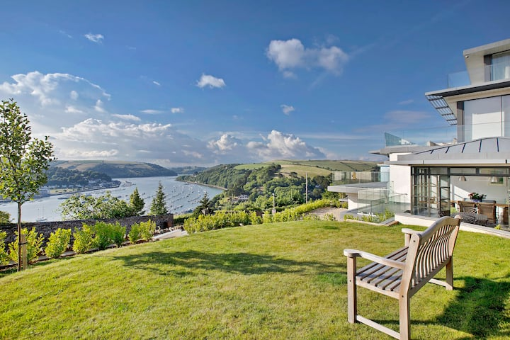 Fabulous Contemporary Lodge-Stunning Views-Parking