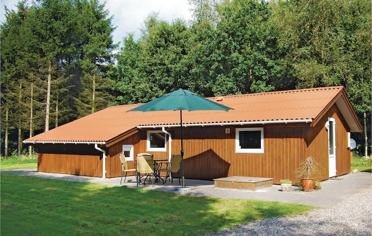Holiday cottage with 2 bedrooms on 62 m² in Toftlund