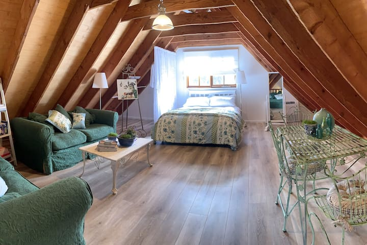 Charming barn loft in a quaint village setting