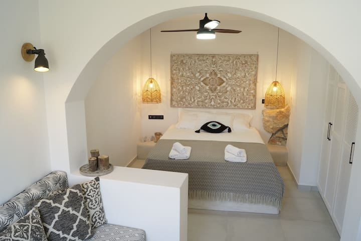 Monsoon Skiathos Luxury Home For 2