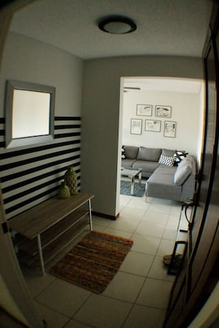 Nice, clean, well lighted apartment - San Rafael - Appartement