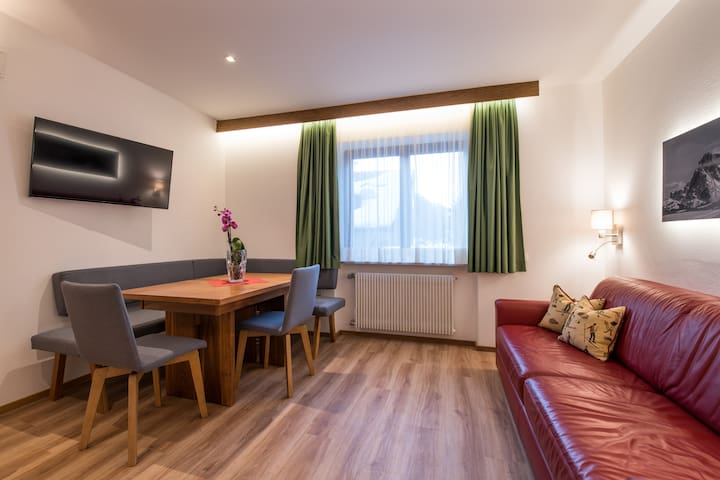 Beautiful appartment with restaurant: trilo