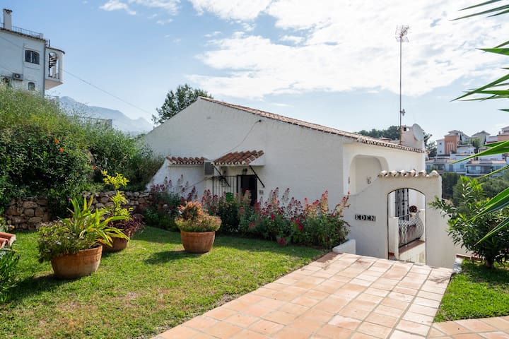 Lovely Andalusian house in Nerja with sea view