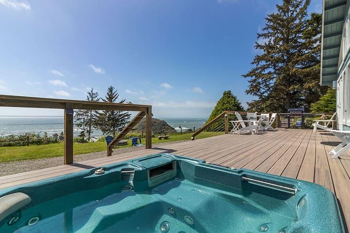 5 Star Luxury, Ocean Views, Hot Tub, Pristine Beach, Fire Pit & private gym!
