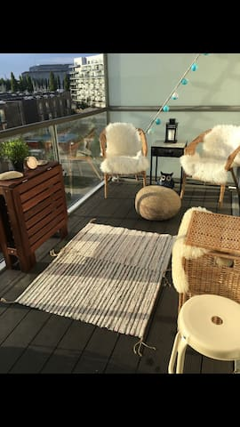 Stylish apartment - balcony view of harbour