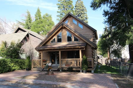 Beautiful Real Wood Log Cabin w/ tons of space! - Lake Arrowhead - Σπίτι