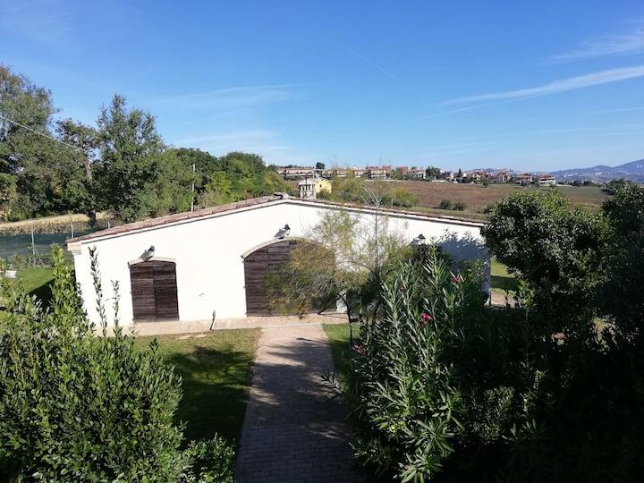 Villetta autonoma con giardino