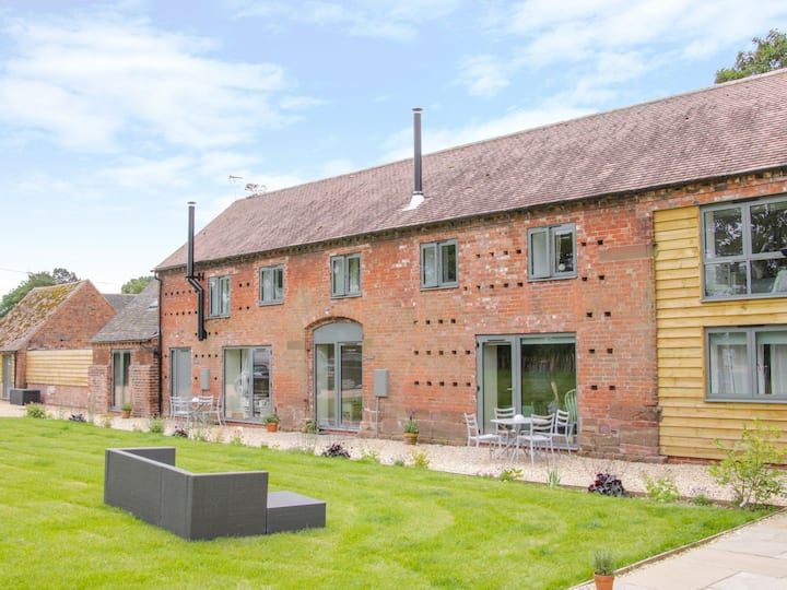 The Hayloft - stunning Shropshire barn conversion