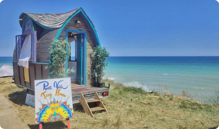 Fairytale tiny house by the beach