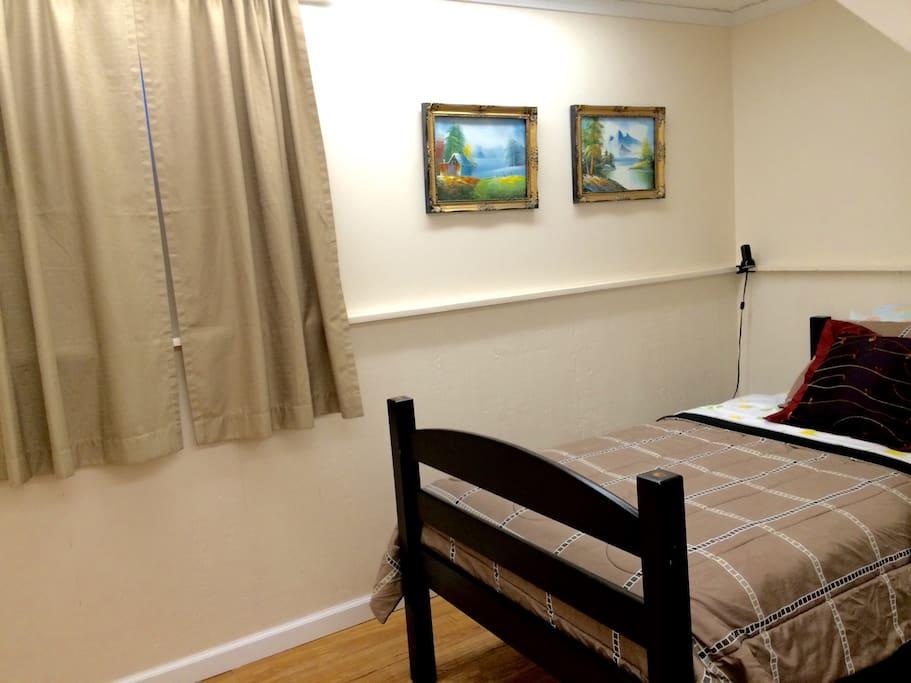 comfy room 1 in quiet lakewood neighborhood houses for