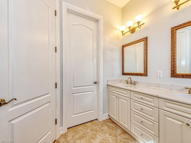 Master Bathroom:  View 1
