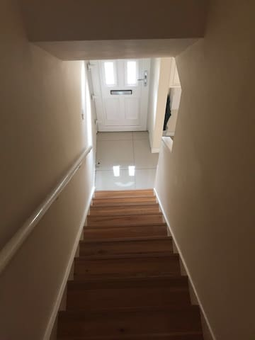 Amazing Location- Cosy Double Bed in Chancery Lane - London - House