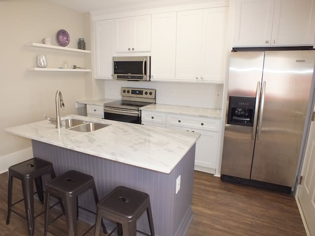 1br Apt, 3 blocks from the Square in Downtown Murf - 默弗里斯伯勒(Murfreesboro)