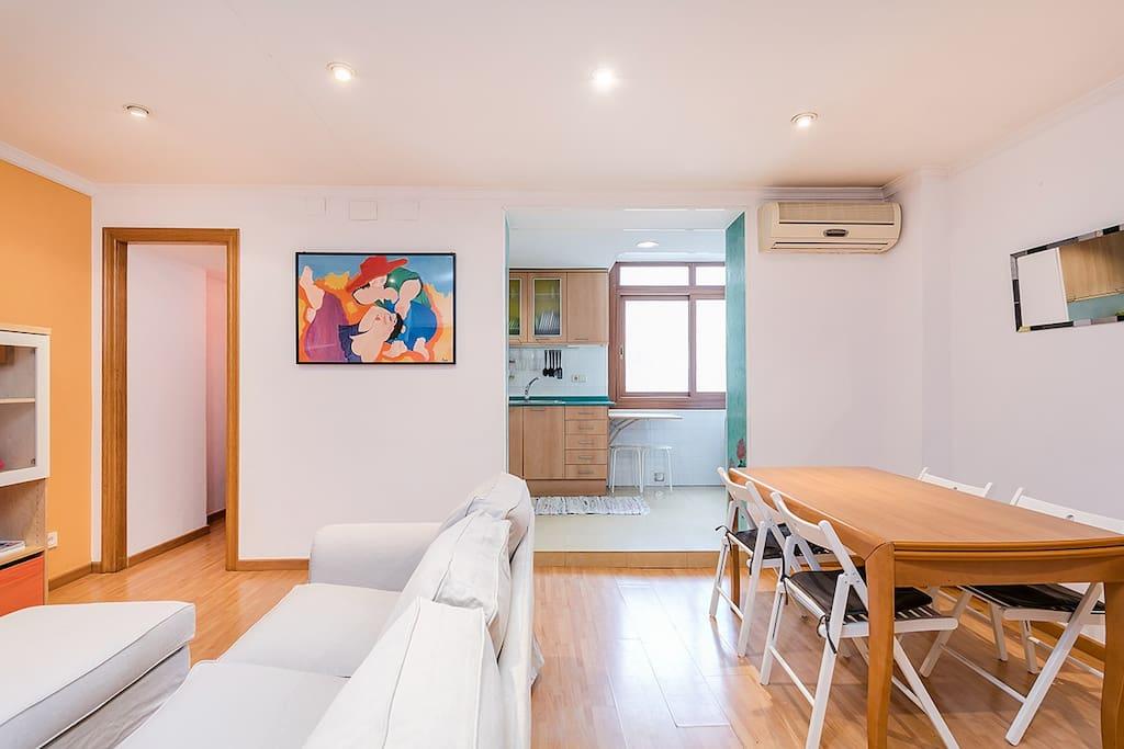 Accogliente soleggiato e centrale appartamenti in for Appartamenti barcellona affitto annuale
