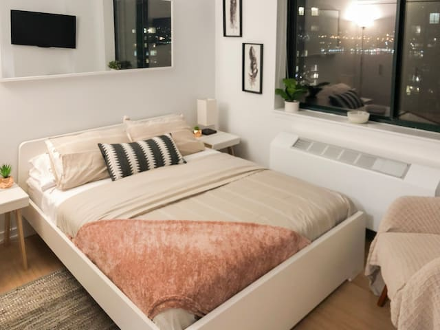 Gorgeous Room close to Lincoln Center