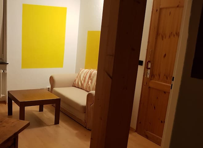 Room in Airbnb-flat, central