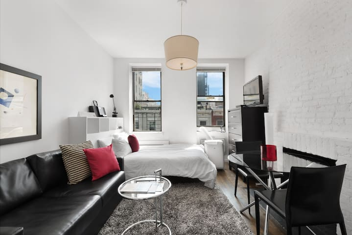 West 15th Street Cozy Chelsea Studio Serviced Apt