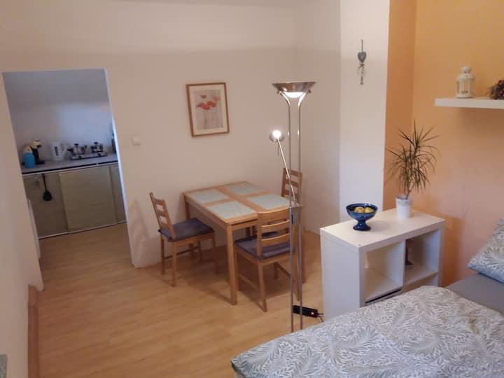2-Zimmer Etage mit Schlossblick in Bensberg