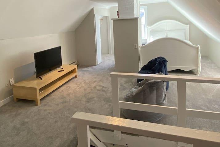 Convenient and cozy private studio room!