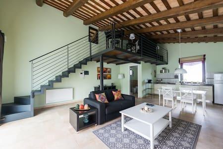 Il Picchio Verde Apartment -Iris- - Sant'Angelo in Pontano - Leilighet