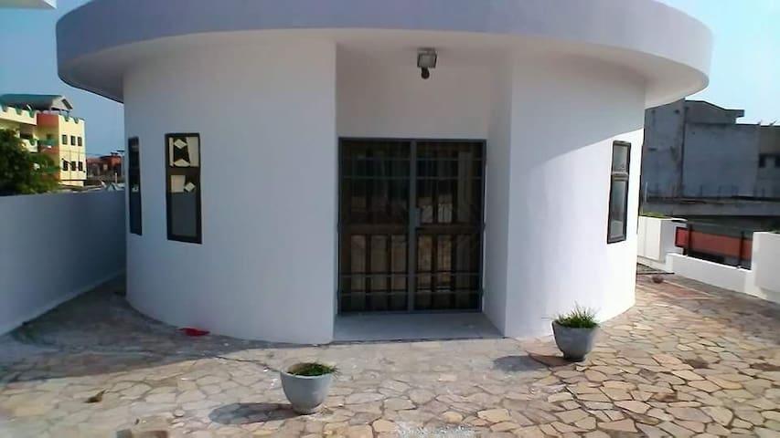 villa champignon  grand balcon - Cotonou - Departamento