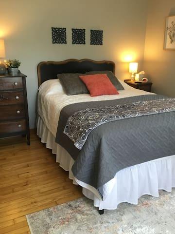 Second-floor Queen bedroom