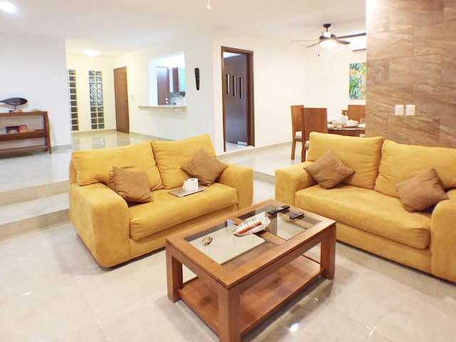 Best location possible in Cancun. Beach Nearby! - Cancún - Apartment