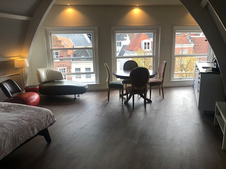 5 churches green apartment city center Haarlem