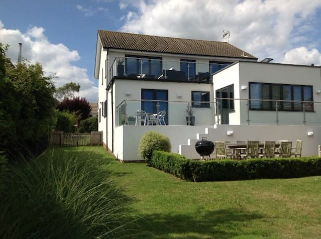 Stylish house and garden with views of Southwold. - Reydon - Haus