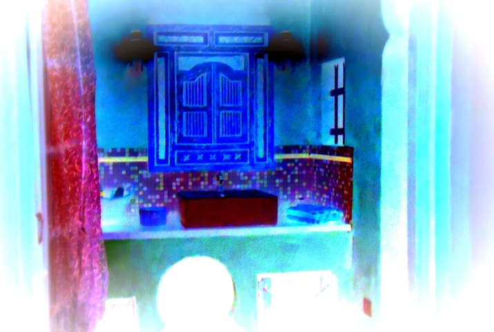 Gîte ORIENT ET SPA   Chambre d'hôte - Dions - Дом