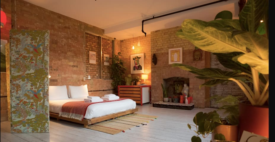 Unbeatable location-Artist loft-LondonFields