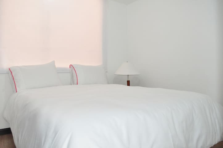 Room with excellent location and security. - Bogotá - Apartemen