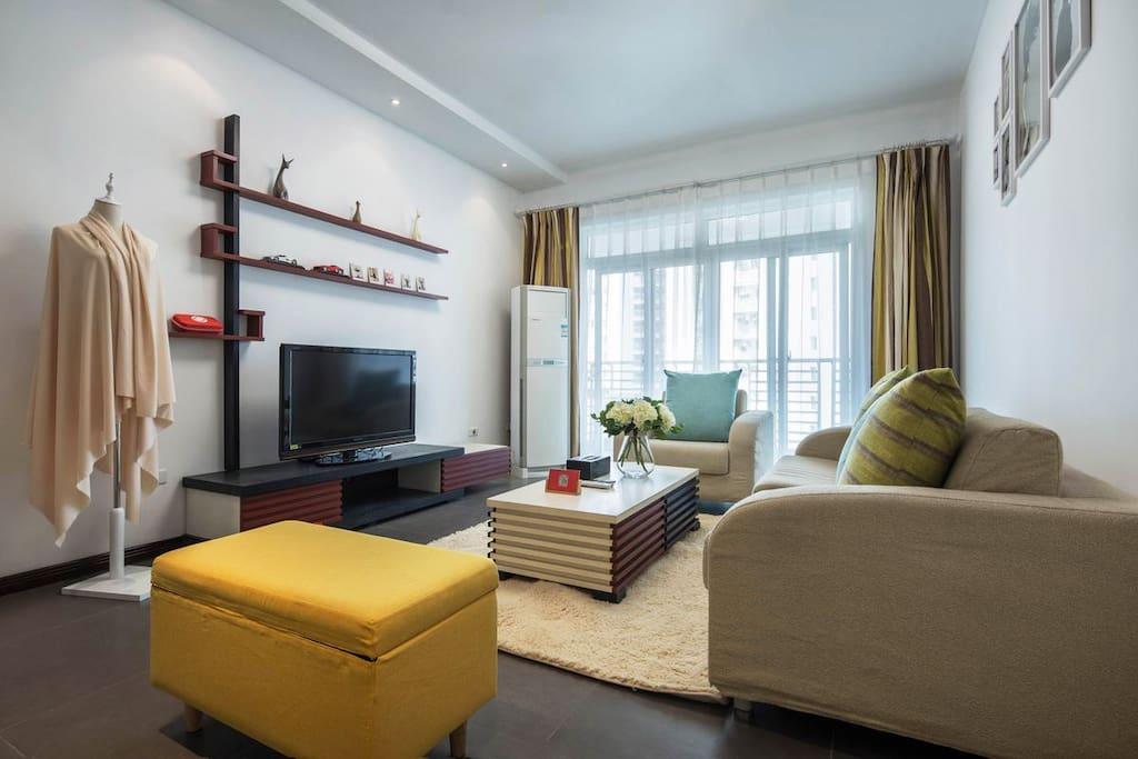 高清电视,大沙发,空调