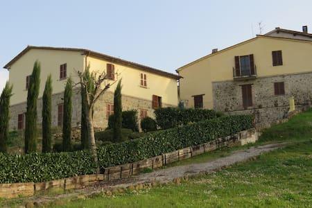 """Apartment """"Sopra"""", Borgo Catolli, Northern Umbria - Umbertide - Apartmen"""