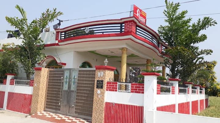 Nandini Homestay near Joly Grant Airport