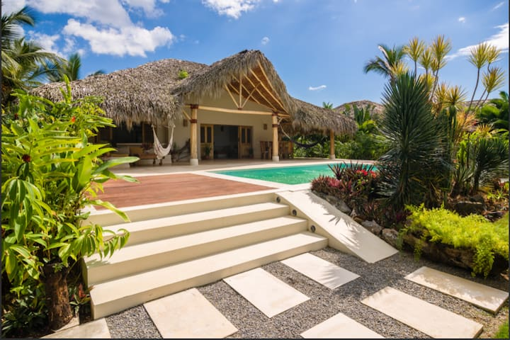Exquisite Villa on Pvt Beach,w Pool 24/7 security
