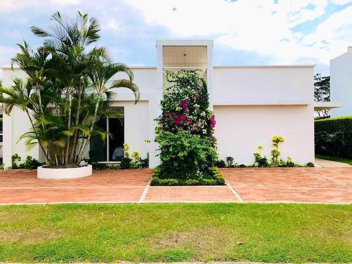 Espectacular Casa Campestre Cond. Privado-Anapoima