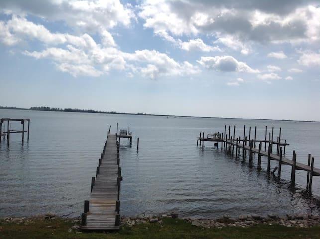 Indian River Lagoon - Private Waterfront Paradise