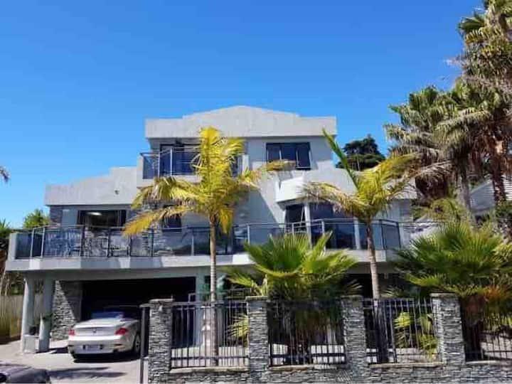Private apartment near the beach
