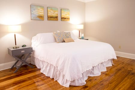 Professional Suite Downtown - Kitchenette and W/D! - Natchez - Daire