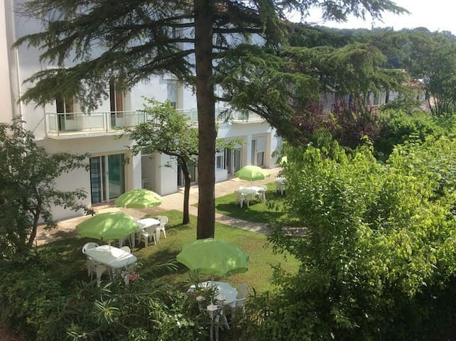 disabled access guarded residence apartment - Lamalou-les-Bains